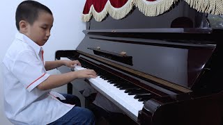 🤣Trung chơi piano♥️funny kids songs♥️video clip♥️nhạc tiếng anh cho bé♥amazing♥discovery