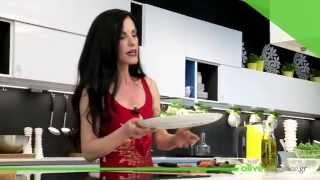 Δροσιστική σαλάτα με ρόκα, τομάτα και γιαούρτι - olivemagazine