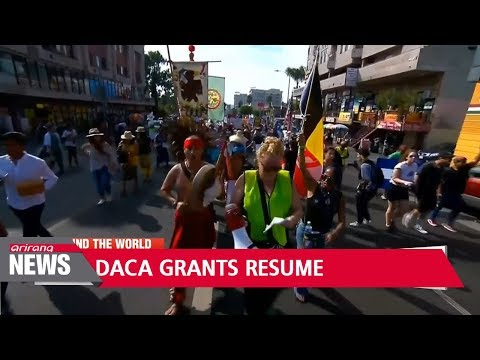 U.S. immigration authorities resume accepting requests under DACA