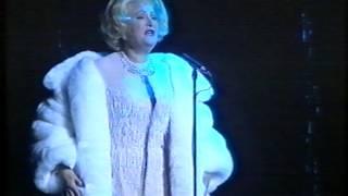 Jasperina de Jong als Marlene Dietrich.
