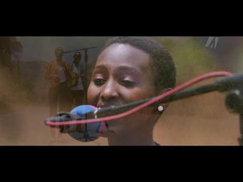 Acoustic Session/Mumababa Yawe by Parfaite INEZA