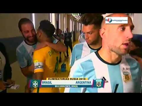 Saludo de Dani Alves con Messi y Mascherano - Brasil vs Argentina 2016