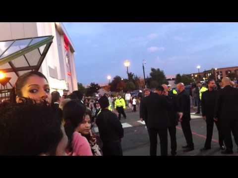 Waiting For Katrina Kaif @ Cineworld Feltham- the body guard gettin angry LOL