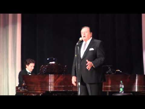 Paul Sorvino singsMamma