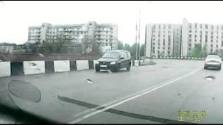 Как подрезают на дорогах(, 2015-05-06T20:16:55.000Z)