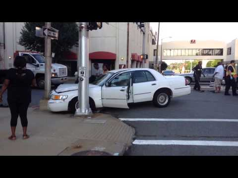 2-car Accident With 3 Injuries, Pine Bluff