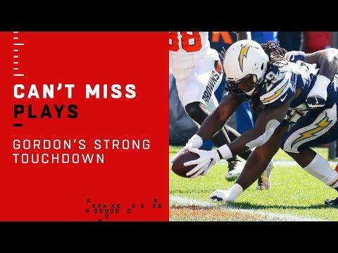 Melvin Gordon Makes Multiple Defenders Miss on Strong TD Run!