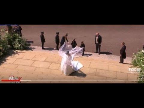 THE ARRIVAL: Meghan Markle Enters St. George's Chapel - Royal Wedding
