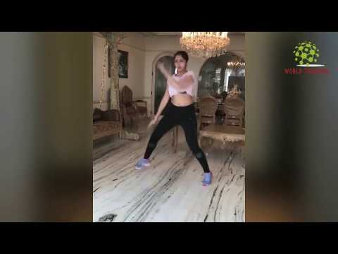 Sayesha Saigal H0t Dance In Crop Top