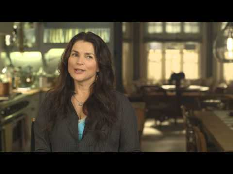 Witches of East End   Julia Ormond