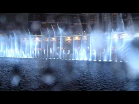 Wynn Palace Musical Fountain - New York New York(Rainy & Cable Car View)