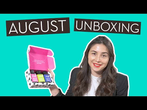 "August Unboxing ""Fashion Week Chic"" ft.…}"
