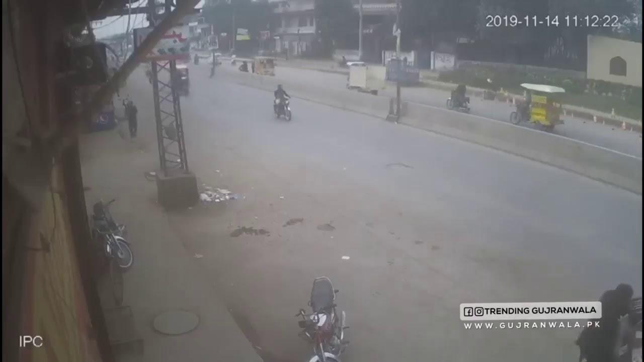 Download straight firing in pakistan main road -gate cam