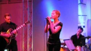 Kitty Hoff - Sehr weit oben (und Forêt-Noire) -live-