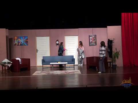 3 Kapı 1 Bıçak Tiyatro Gösterisi
