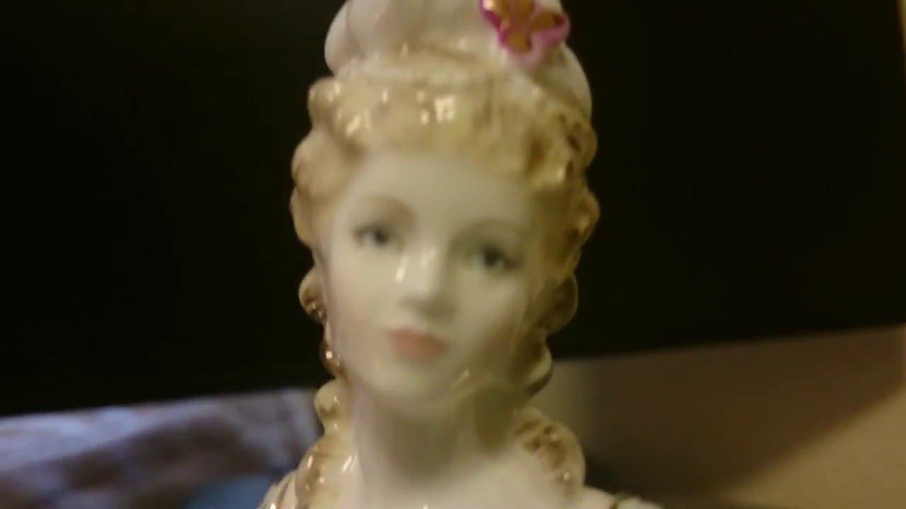 "Download Marie Antoinette - Porcelain figure Coalport ""Femmes Fatales"""