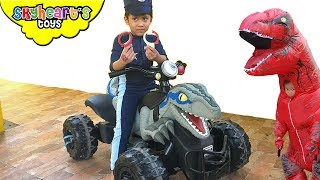 Dinosaurs Escape! Police Skyheart to the rescue! Dino toys kids action red trex