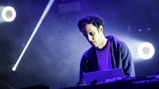 Four Tet - Parallel Jalebi at Glastonbury 2014