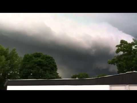 Tornader In A Trailer Park Severe Weather Clarkston Michigan 6/17/13