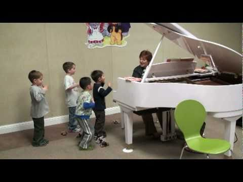 Music for Little Mozarts, Music Disy, Book 1  Do Re Mi Tapping Song