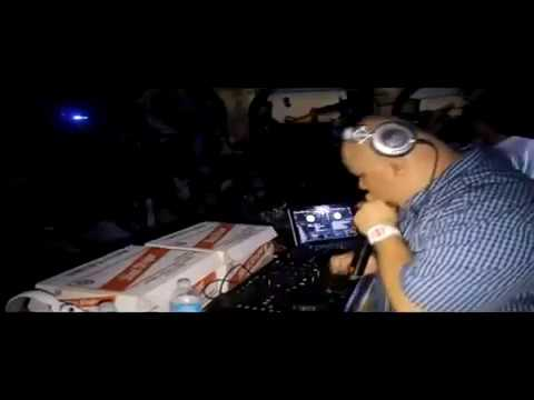 Dj Acon Live Juggling In Panama (Dubplate Style )
