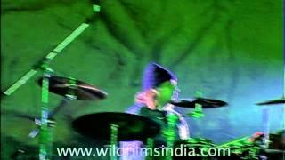 "Rabbi Shergill performing his hit single ""Bulla Ki Jaana Maen Kaun"" on stage!"