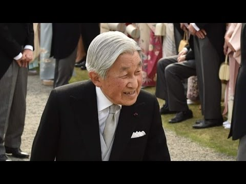 Emperor Akihito: Japan's government approves abdication bill