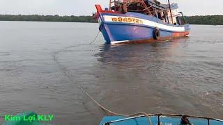 Toàn cảnh tàu kéo,giải cứu tàu biển bị mất cạn/fishing vessel