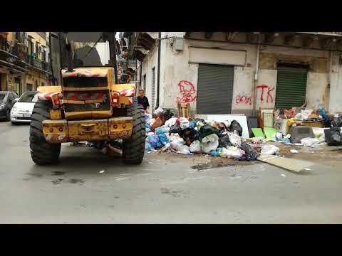 Differenziata: Ruspe a Palermo per riportare normalità