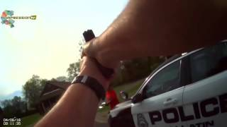 Полицейский расстрелял женщину, бегущую на него с топором.