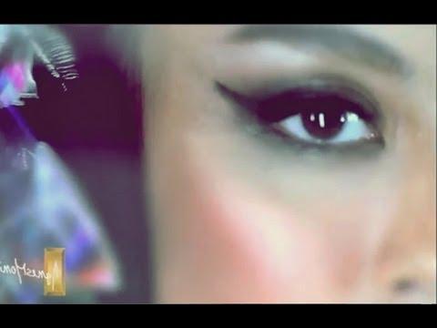 Busana Cantik Agnes Monica Di America