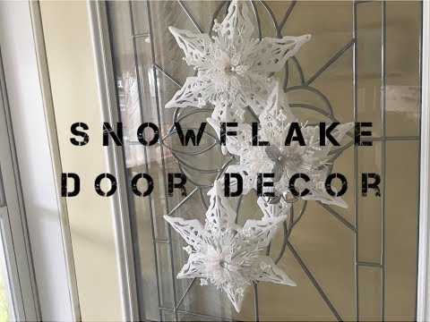 Snowflake Door Decor DIY (Dollar Tree)