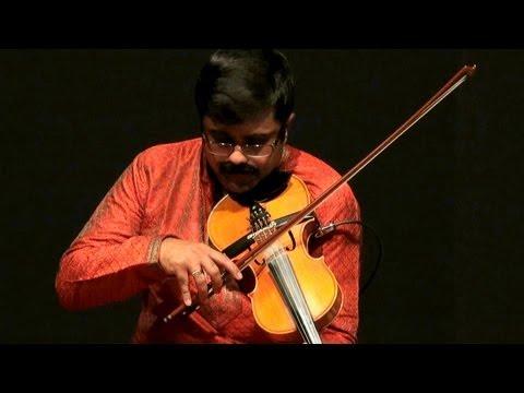 Violin performance on Thyagaraja Kriti - Ganamoorthe by Jayadevan