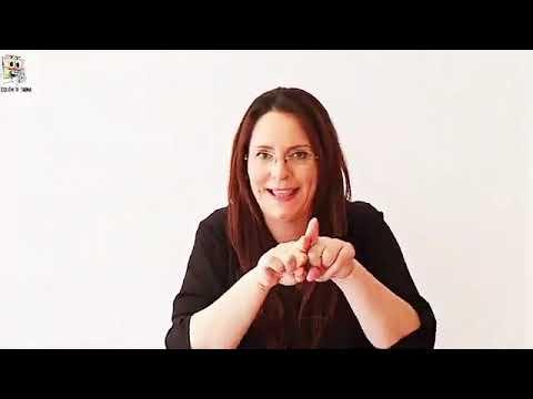 Maestras del Colegio cantan en el Día de la Lengua de Signos