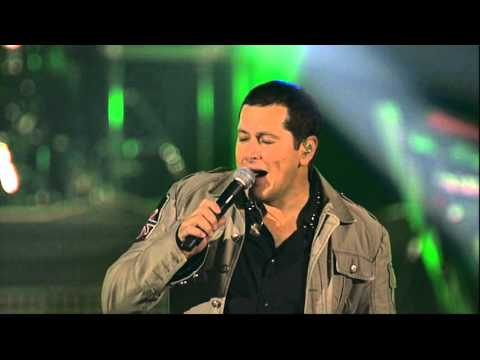Aco Pejovic - Izmedju nas - (Live) - (Arena 19.10.2013.)
