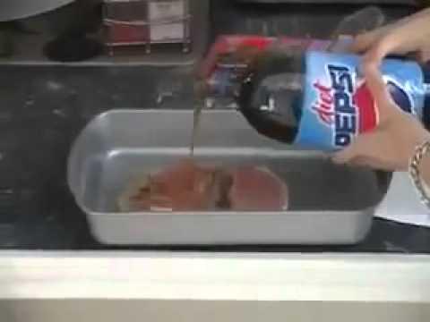 Kinh hoàng sự thật về Pepsi khi ngâm với thịt heo!!