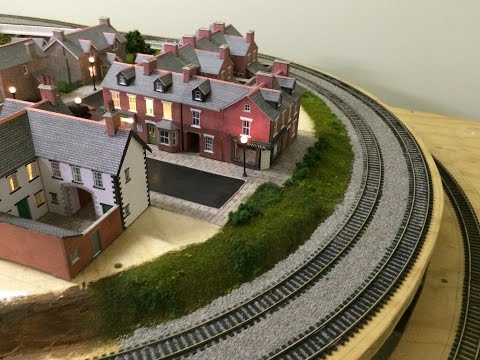 Building a Model Embankment – Developing the Town Scene – Part 3