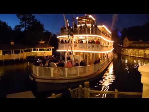 Walt Disney World - Magic Kingdom - Liberty Belle arrives in Liberty Square HD (2016)