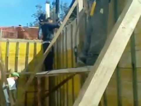 RAVISCANINA ,PETRUCCIOCOSTRUZIONI getto muro in cemento armato