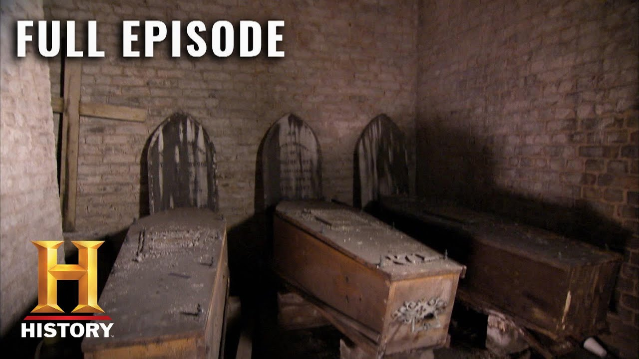 Download Horrific Ghost Stories of London | Cities of the Underworld (S3, E1) | Full Episode | History