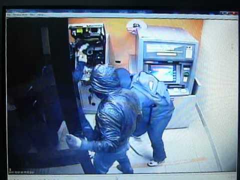 Revelan video del robo al cajero autom tico en cartagena for Los cajeros automaticos
