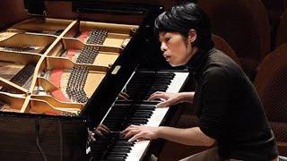 ピアニストの上原彩子さんが子育てと年30回以上の演奏会を両立させてい...