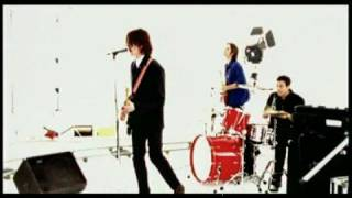Watch Powderfinger Good Day Ray video