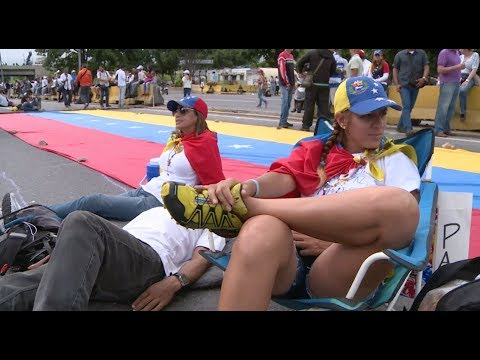 Venezuelan Street Protests Enter 45th Day in Caracas