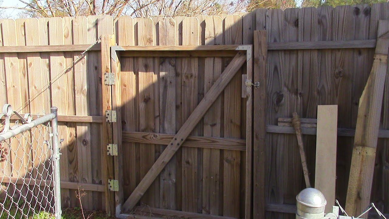 Fixing And Rehanging A Large Wooden Gate Mm 52 Doovi