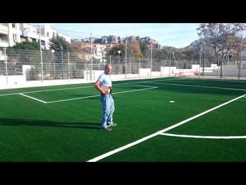 Pose d'un terrain de football en gazon synthétique à Marseille