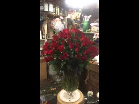 Park Florist 100 Red Roses In A Vase Youtube