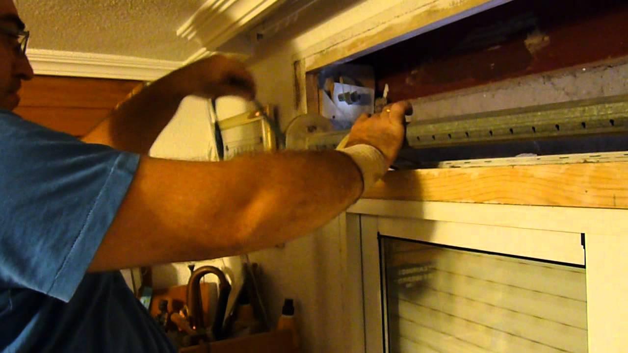 Cmo reparar una persiana con la cinta rota paso a paso Aprende a Reparar  YouTube