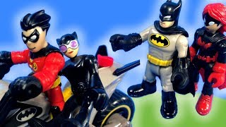 Imaginext Robin and Catwoman See Batman's New Batcycle