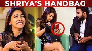 Only 4 items in Shriya Saran's Handbag! | Ashiq Reveals